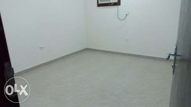 Room for rent in alkhuwair for lady work only مسقط -  1