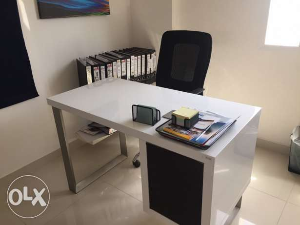 Office Furniture for Sale (barely Used) السيب -  1