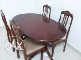 Brand new condition dining table with 4 chair for sale