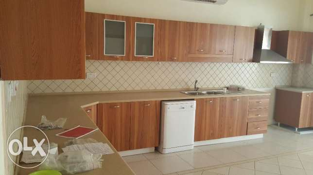 villa for rent in a coumpound al mouna 5 bhk بوشر -  4