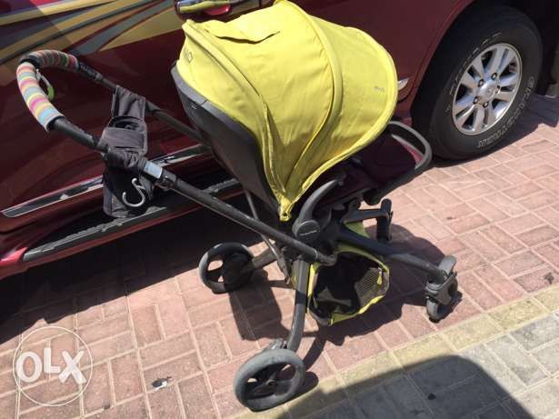 Mamas and Papas Mylo stroller / pram with car seat , base , attachment