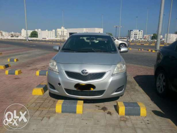 Toyota Neat and well conditioned expact driven car ready for immediate السيب -  1
