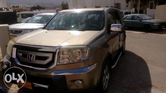 Honda pilot 2009 ... good condition.. sale experience Liv in Oman