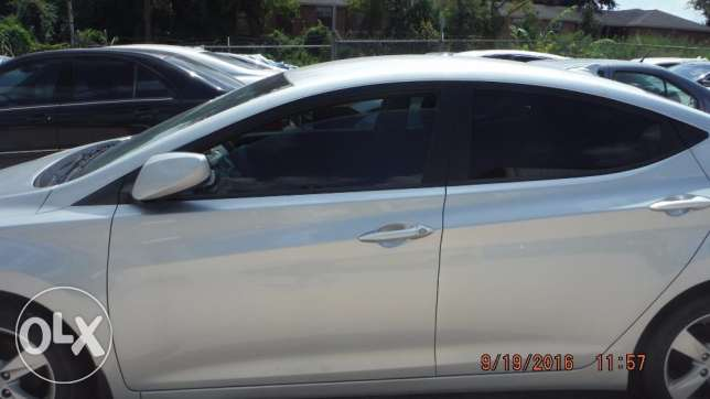 Imported 2013 Hyundai Elentra (PRICE NEGOTIABLE!) مسقط -  4