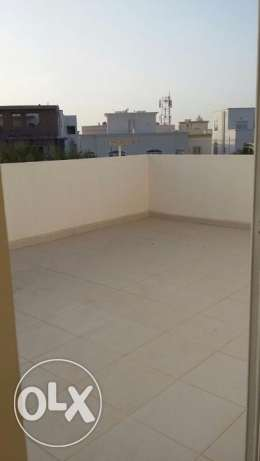 new flat for rent in almawaleh south with 2 balcony مسقط -  8