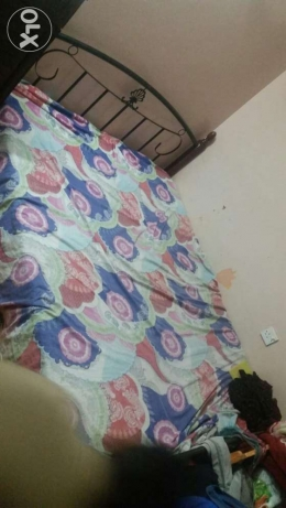 Double bed in good condition مطرح -  2