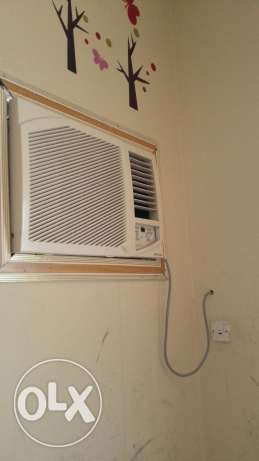 Window AC for urgent sale (2-Nos). Price mention for each 55 OMR مسقط -  1