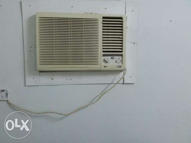Asset Window A/C 1.5 Tone rarely used and LG window A/C 1.5 Ton used مسقط -  2
