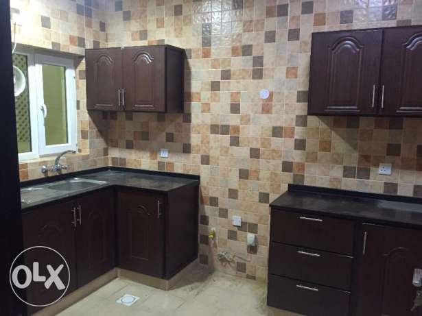 flat for rent in almawaleh north near to vegetable souk السيب -  1
