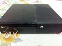 Xbox 360 with 5 games and kinetic motion sensor