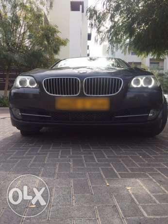 BMW 523i - 2011 full options in very good condition like new السيب -  1