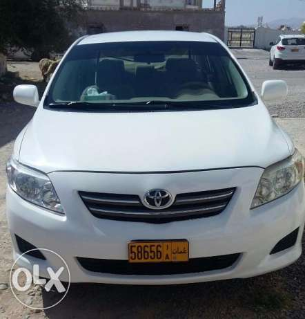 Toyota Corolla for Sale. Expat driven. First Owner. 2008 Model. مسقط -  1