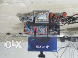 Ps3 good condition 500 gb with 2 controller,5 games and ps3 eye camra