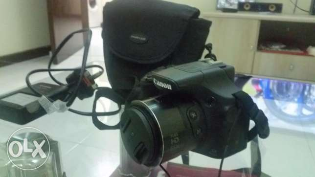 Canon Powershot SX60HS for Sale for URGENT SALE !!! 65x Zoom, Wifi !!!
