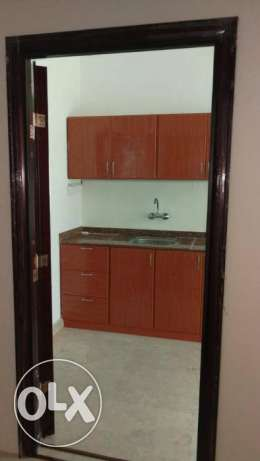 room with private bathroom and American kitchen in the HALL Ghoubra 18 مسقط -  5