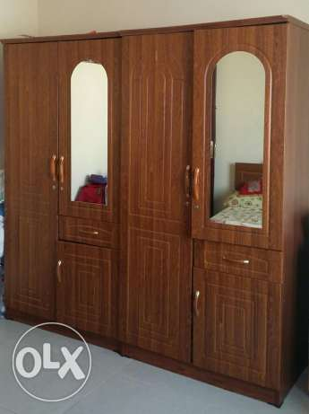 1 Queen Size Bed, 1Single Bed, 3 Single Mattress,2 Door Cupboards-2Nos مسقط -  6