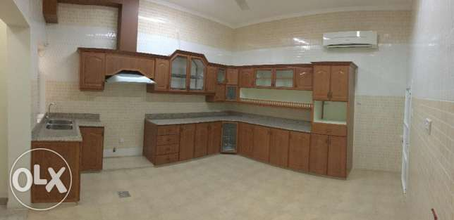 Spacious villa in Hail North الحيل الجنوبية -  8