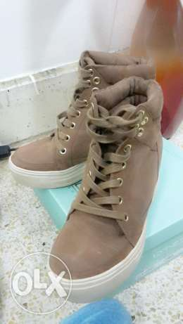 Call it spring sneaker wedge ( brown color) مسقط -  2