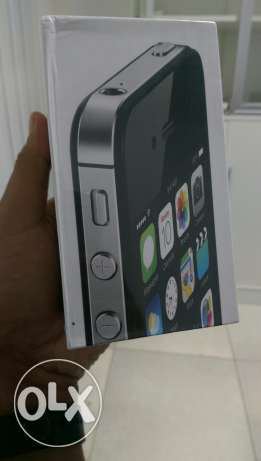 Iphone 4s 32 gb black and white مسقط -  4