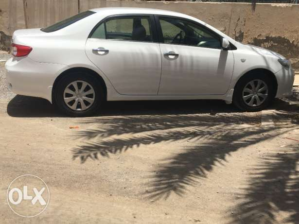 Toyota corolla 1.8model 2013 full automatic one year Insura