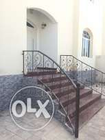 5 bedroom villa for rent near the wave in North Mawalah