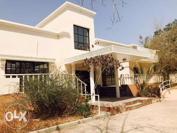 F4- Single Big 4 BHK + 1Maid Villa For Rent in Madinat Qaboos