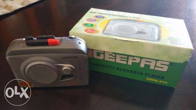 Geepas Mini portable cassette recorder player