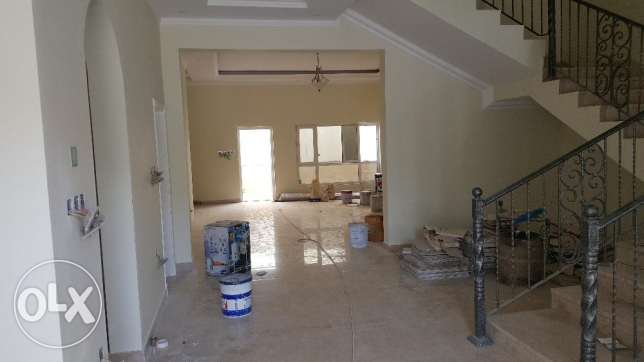 4/7 bedrooms New High Quality Twin Villa for RENT in Qurum 29 مسقط -  1