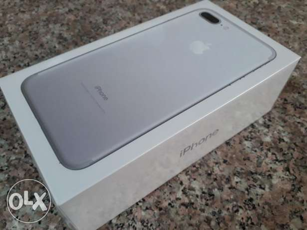 Brand new iphone 7 plus with Apple warranty 1 year not use not open