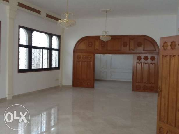 Absolutely Gorgeous High-Quality-Finishing Villa in Madinat Al Ilam القرم -  6