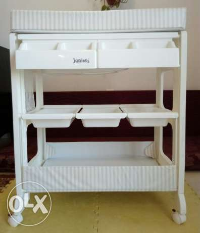 Baby changing table and bath like new