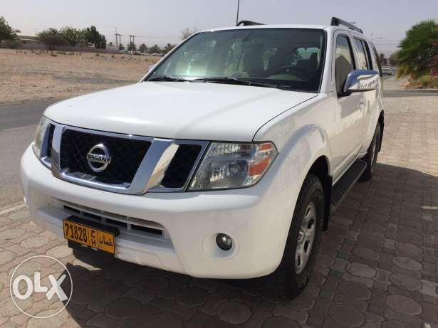 Well maintained Nissan Pathfinder 2012 for urgent sale