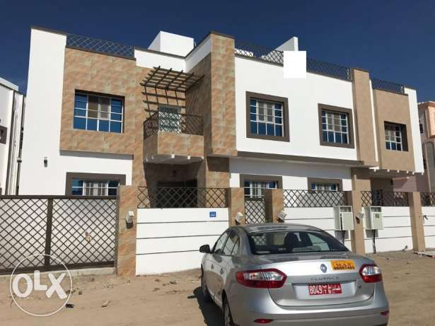 KP 861 Brand new twin villa 6 BHK in South Maabilah for sale