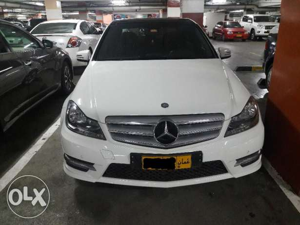 Expat owned, single owner, Mercedes Benz C200, Pearl white, Low kms مسقط -  1