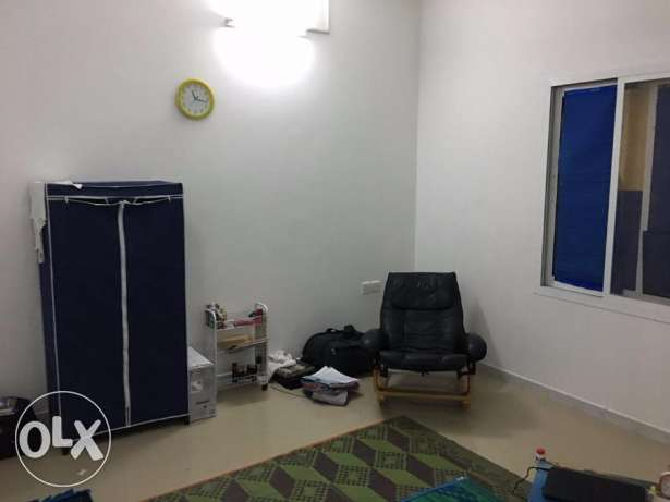 Room For Rent with attached bathroom مسقط -  2