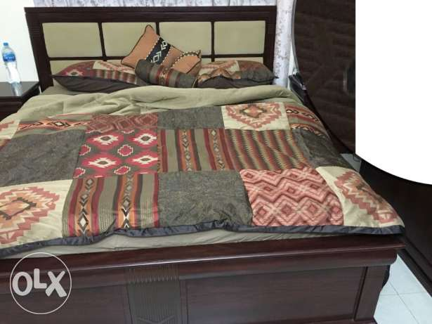 King size bed for sale in a very reasonable price مسقط -  1