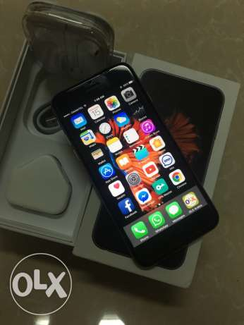 Apple iPhone 6s space gray with all accessories مسقط -  1