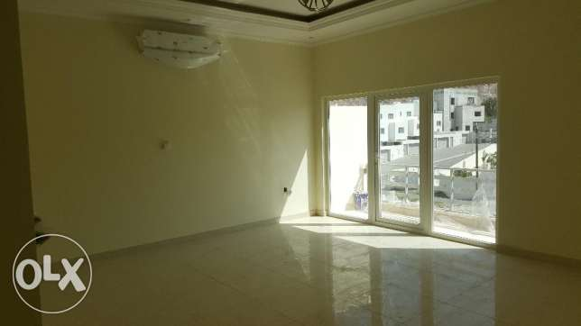 4/7 bedrooms New High Quality Twin Villa for RENT in Qurum 29 مسقط -  5