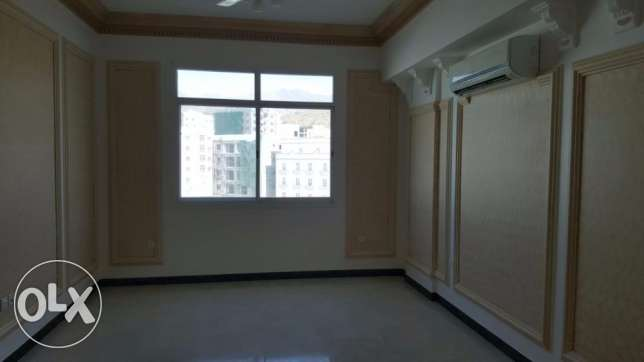 flat for rent in al khouweir 42 3 bhk بوشر -  4
