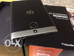 blackberry passport silver edition with box earphones charger