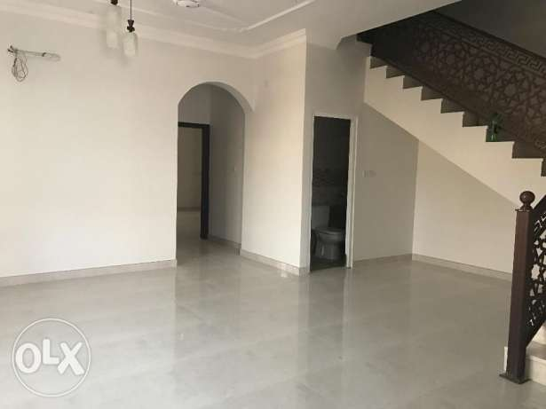 brand new twin villas for rent in al mawaleh south