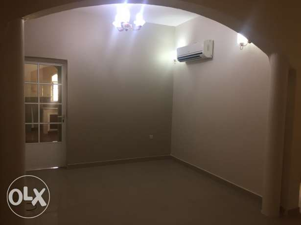 Wide Flat in South Ma'abila (first floor) 2 minutes to Indian School السيب -  4