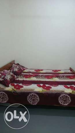 Kingsize bed with mattress مسقط -  4