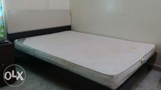 King size cot +Mattress السيب -  4