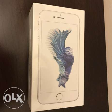 Brand new iPhone 6s, 64GB, Silver مسقط -  2