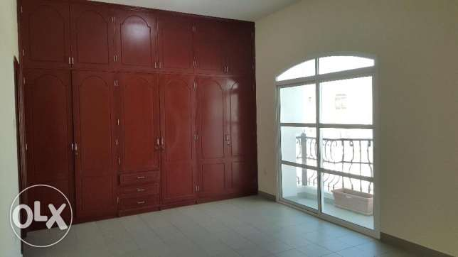 6BHK Beautiful Townhouse in Madinant Sultan Qaboos Near British Counse مسقط -  4