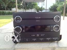 For sale: New: Ford Explorer 2006 original part. Stereo sound system 6