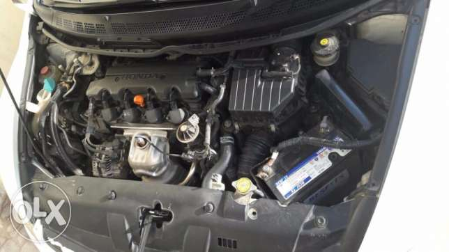 Honda Civic (2006) 1.8 White Automatic for Sale Urgently Expat Leaving مسقط -  2