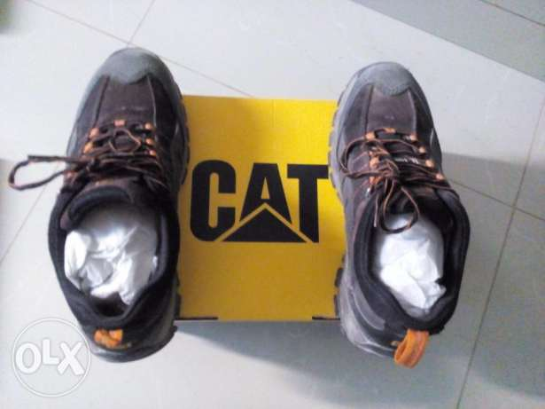 5safety shoes (Cat Brand) - 15RO Size - 42(8) - (28 March Last Day)