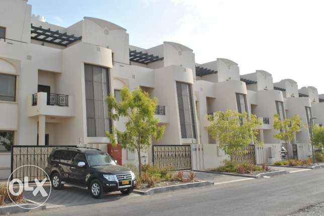 Spacious villas for rent at Talat Al Khoudh